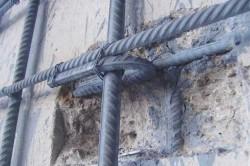 Усиление кирпичной стены железобетонной обоймой
