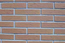 Пример имитации кирпичной стены из пенопласта