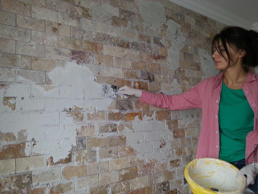 Как задекорировать кирпичную стену своими руками