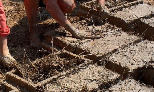 Изготовление блоков из самана