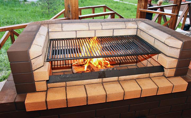 Печь-мангал из кирпича