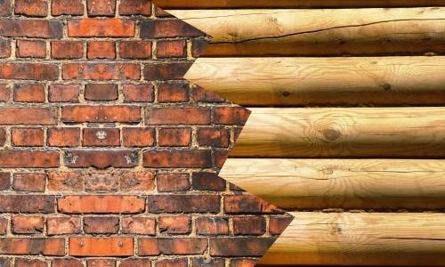 Выбор кирпича или дерева при строительстве