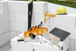 Инструменты для строительства стены