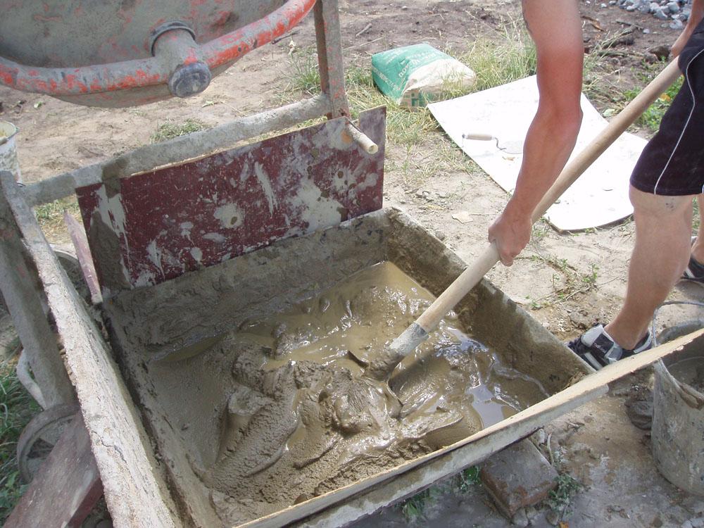 как мешать цементный раствор